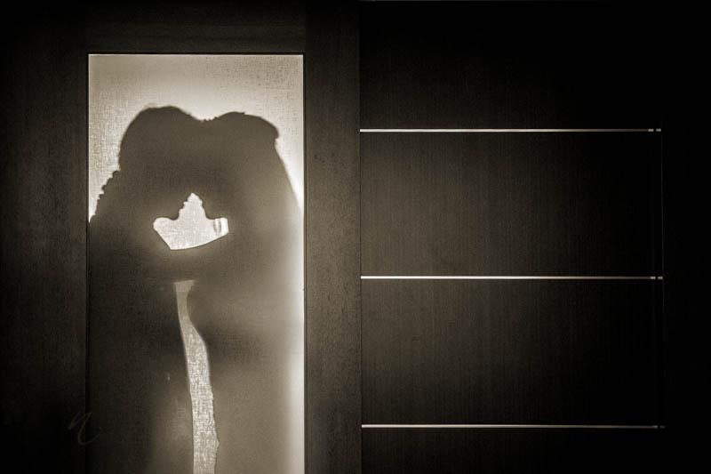 Bride groom shadow photo