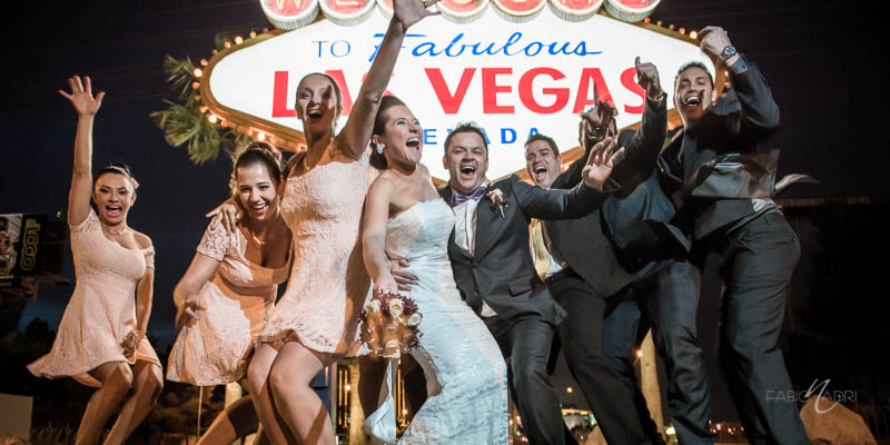 Bridal party Las Vegas sign photo