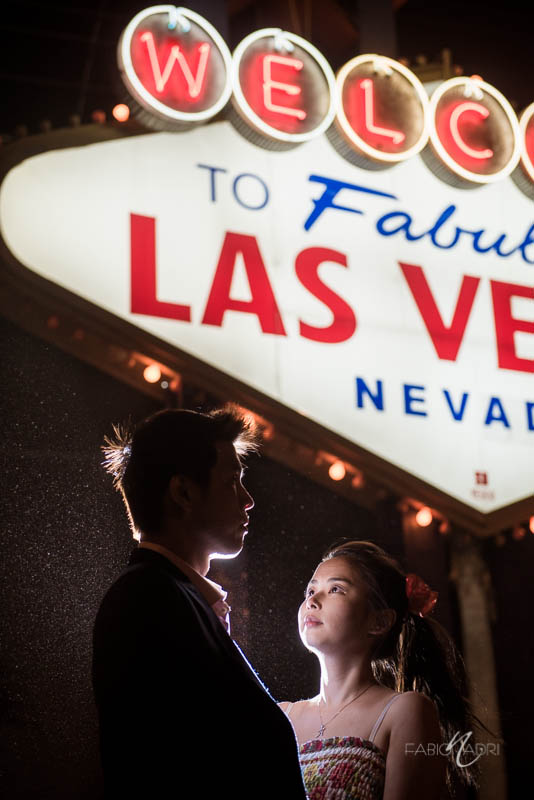 Las Vegas sign engagement photo
