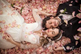 Bride_Groom_Wedding_Rose_Petals