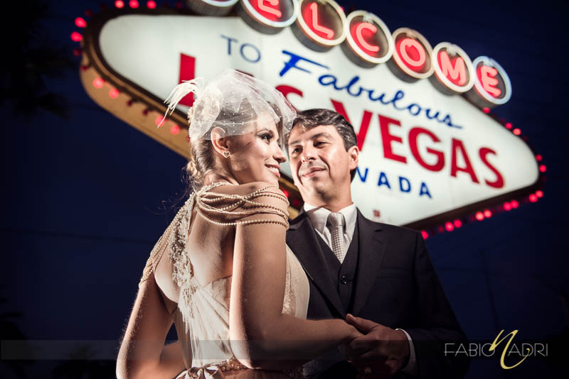 Couple Las Vegas sign photo