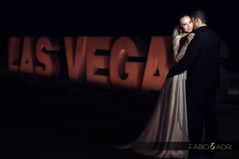 bride groom hugging las vegas photo