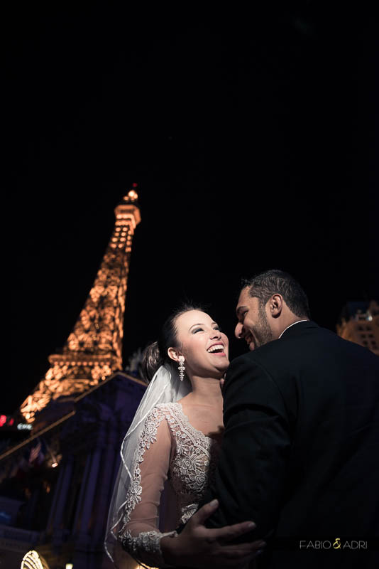 paris las vegas bride laughing
