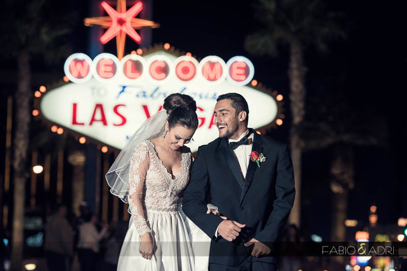 las vegas sign bride groom laughing