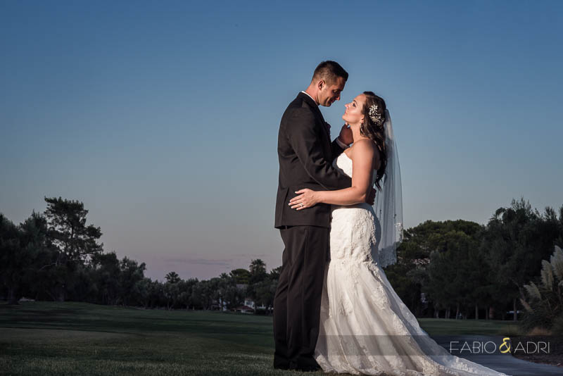 Las Vegas Country Club Wedding Bride Groom Romantic Photo