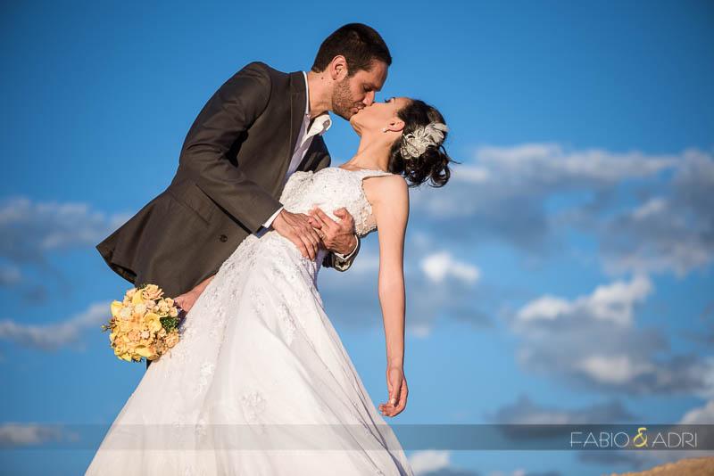 Desert Wedding Photo Kiss