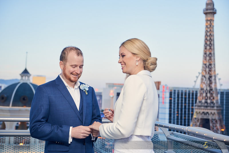Las Vegas In-Suite Elopement